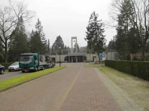 De ingang van de begraafplaats Heidehof in Apeldoorn