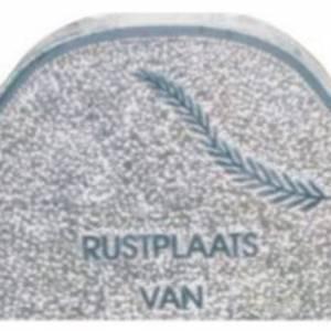 Opgehakte grafsteen tekst
