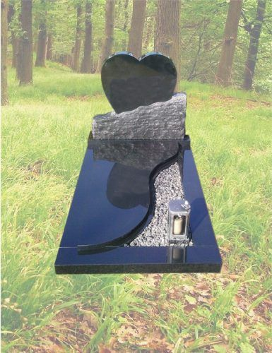 K18 – Kindergrafsteen hart