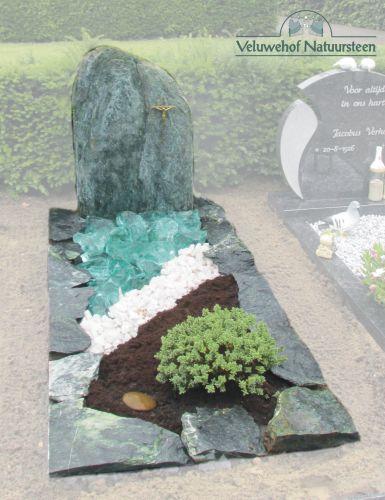 R59 – Valverde ruw, met kristal en glasbrokken
