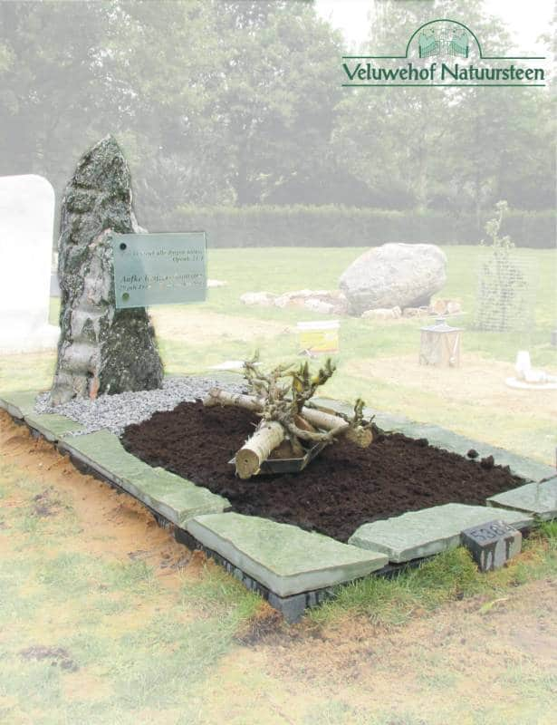 R71 – Ruwe grafsteen met glas
