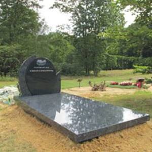 Gepolijste grafsteen