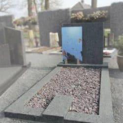 Voorbeeld glazen grafmonument
